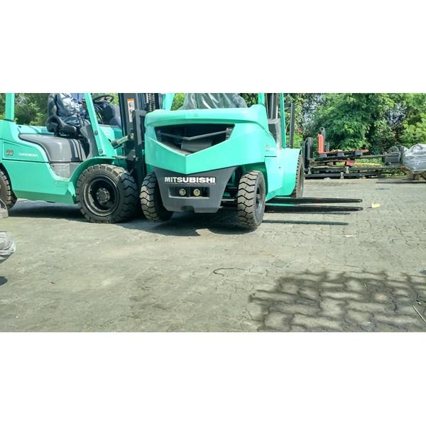 Sepatu Garpu Forklift