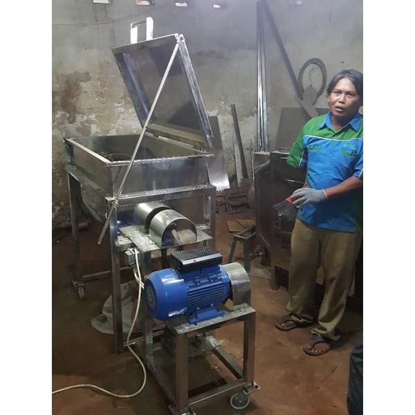 Mesin Mixer Ribbon Kapasitas 100-200Kg