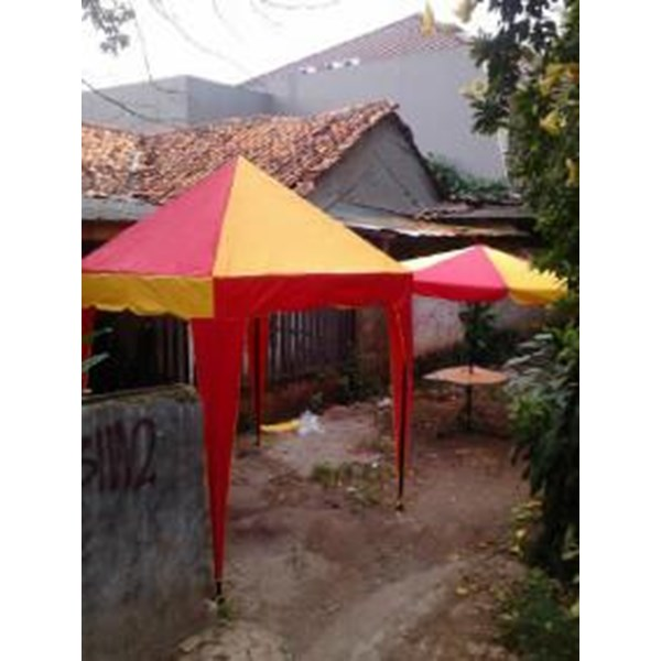 Tenda cafe limas-piramid