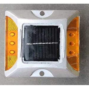 Dari Paku Marka Solar Cell 6 Lampu 0
