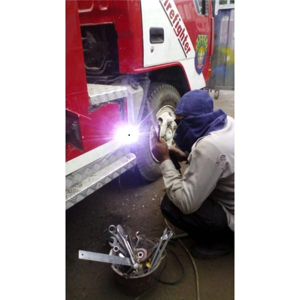 Foto Dari Jasa Perbaikan Mobil Pemadam Kebakaran 3