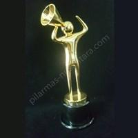 Jual Trophy Suara Emas