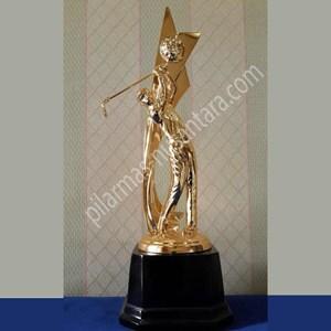 Trophy juara umum golf