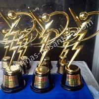 Jual Piala logam GS Astra