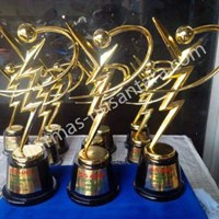 Piala logam GS Astra 1