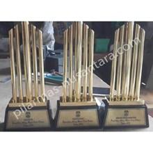 Trophy logam abang mpok bekasi