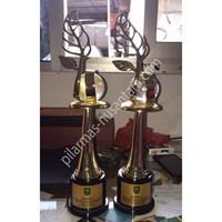 Jual Trophy Logam Penanaman Pohon
