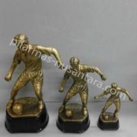 Piala logam sepak bola