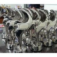 Trophy Logam Elang 1