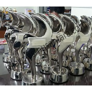 Trophy Logam Elang