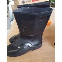 Sepatu Boot Pendek Hitam WINGON 8899
