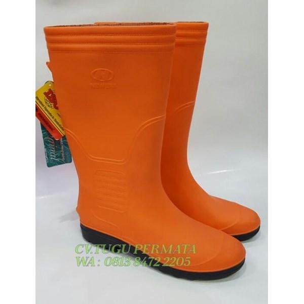 Sepatu Boot Oranye New era PPSU