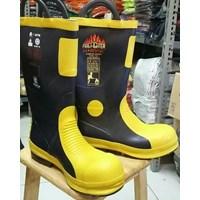 Sepatu Safety Boot Pemadam Kebakaran Harvik