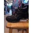 Sepatu Safety 10