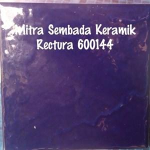 Dari Keramik Kolam Renang Rectura 600144 0
