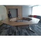 bracket meja untuk ruang meting  1