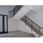 A Minimalist Stairway Ralling 1