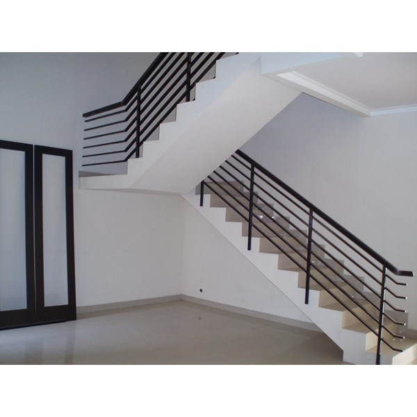A Minimalist Stairway Ralling