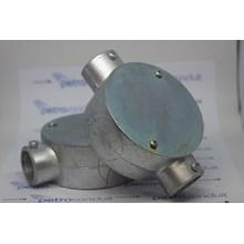 Circular Surface Box 2 Way (Through) E-19 Alumunium