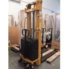 Pallet Stacker handlift semi electric 1