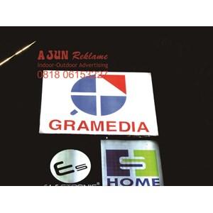 Neonbox Gramedia By Ajun Reklame