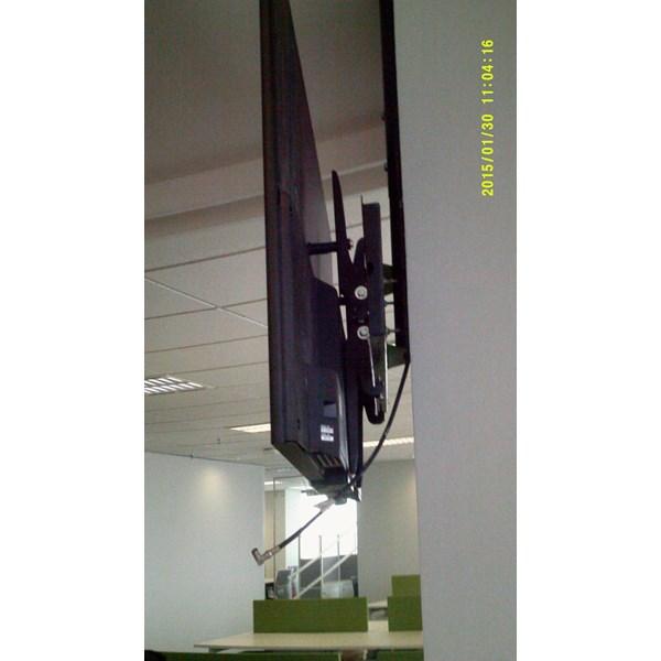 Bracket TV Ceiling Merk digimedia tipe DM-C600