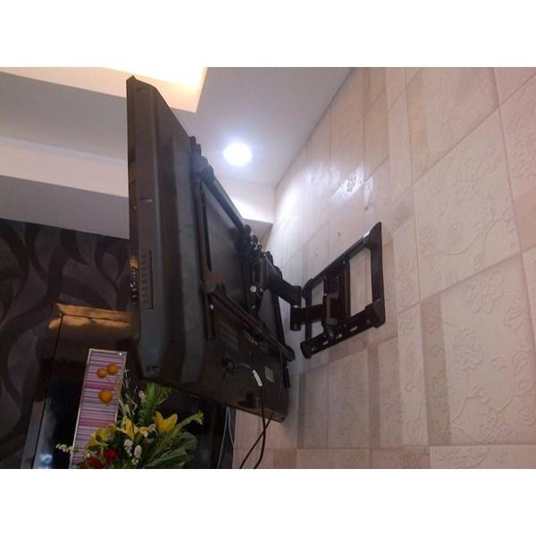 Bracket tv swivel merk Digimedia Type DM-A8010