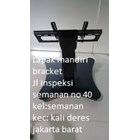 bracket tv led stand berdiri depan meja rapat 2