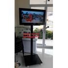 promo bracket tv standing 1 tiang plat kotak beli dua free kabel data hp to tv 4