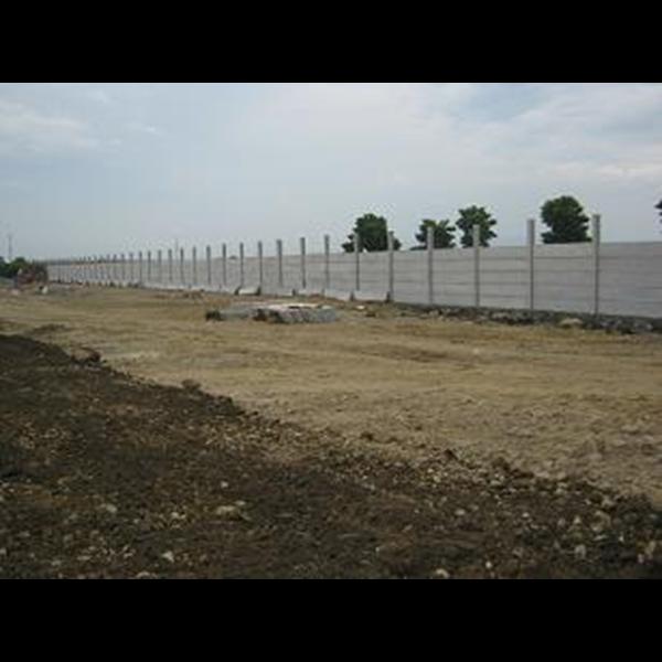 Panel Pagar Beton Terpasang