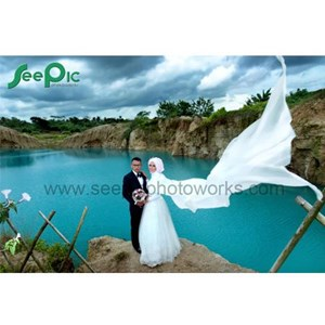 Prawedding Outdoor at Telaga Biru  By PT. Seepic Photoworks