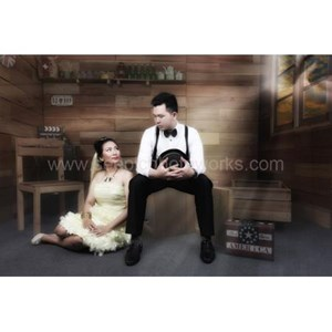 Prewedding Indoor Package 01 By PT. Seepic Photoworks