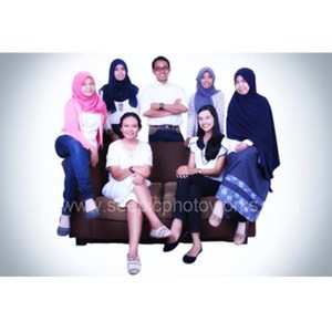 Photo With Friends  By PT. Seepic Photoworks