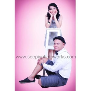 Prewedding Indoor Package 05 By PT. Seepic Photoworks