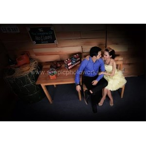 Prewedding Indoor Package 02 By PT. Seepic Photoworks