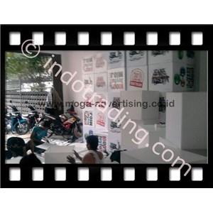Pemasangan Sticker By PT  Moga Advertising