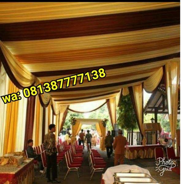 Plafon Tenda Pesta Variasi Warna Gold