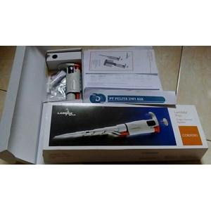 Tabung Pipet Dan Botol Laboratorium Micropipette