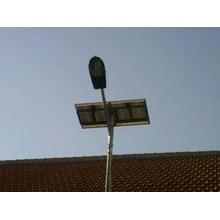 Paket Lampu Jalan/PJU Tenaga Surya 30 watt Single Arm