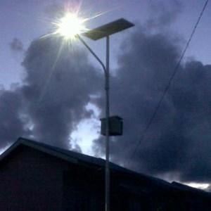 Dari Paket Lampu Jalan/PJU Tenaga Surya 30 watt Single Arm 1