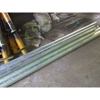 Pole Street Lamp / PJU 7m Octa Single Arm Galvanis