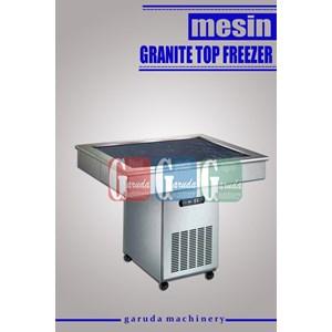 Alat Alat Mesin Pembuat Kreasi Es Krim ( Granite Top Freezer )