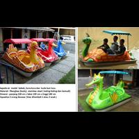 Sepeda Air Perahu Bebek Angsa Dan Kuda Laut Dan Kura Kura Lucu