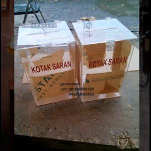 Kotak Saran Akrilik