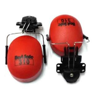 Pelindung telinga Earmuff  dipasang pada Helm proyek