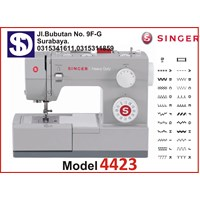 Singer sewing machine Type 4423