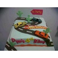 kue hotwheels mainan 1
