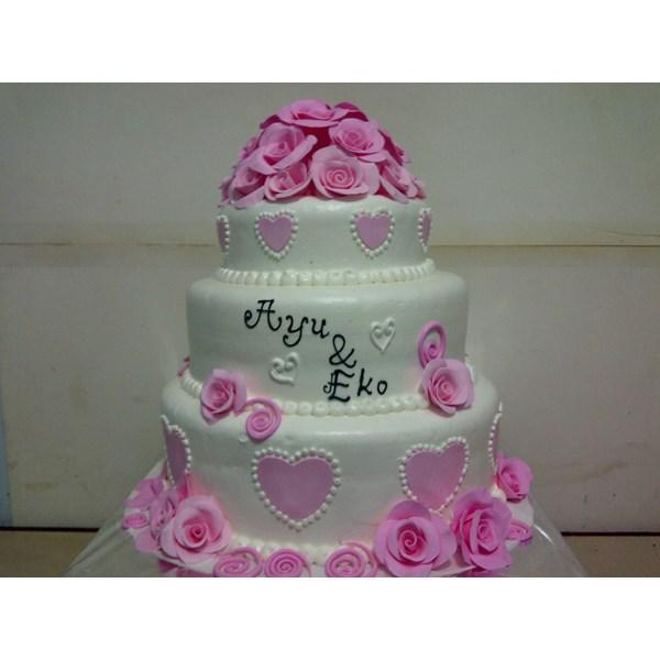 kue wedding susun