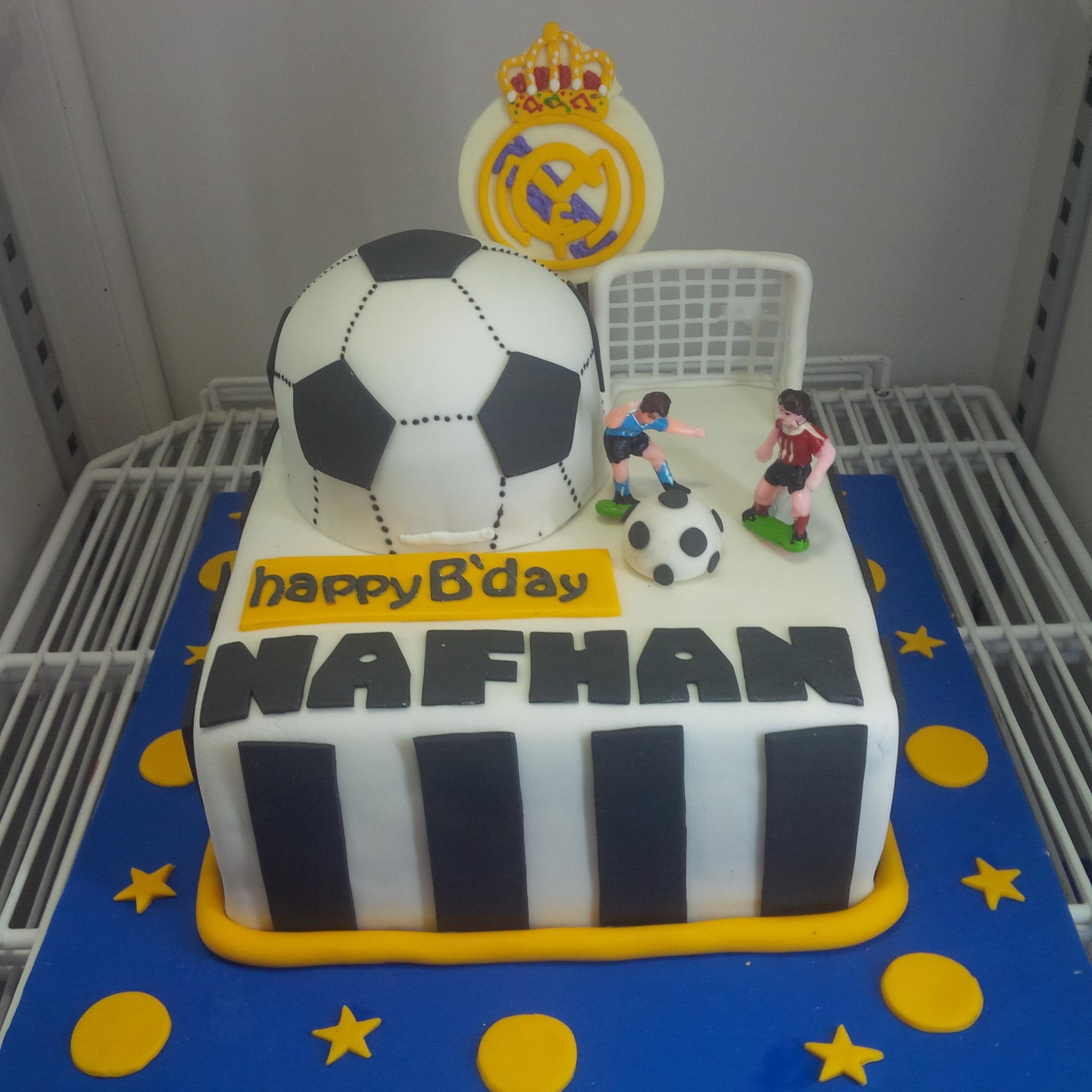 Sell real madrids birthday cake from Indonesia by Khena CakeCheap