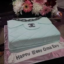 kue bentuk tas